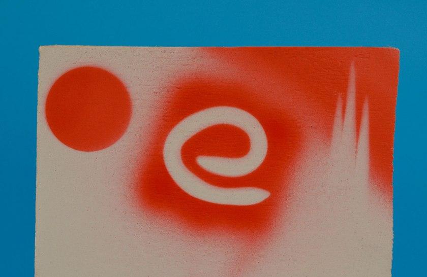Imagen 3. Efectos de diferentes máscaras, de izquierda a derecha el orificio de un CD inservible, una culebrilla realizada con bluetac y las puntas de tres palillos de dientes.
